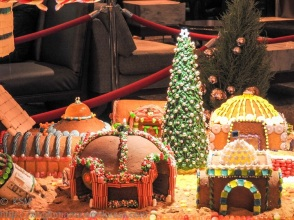 KSM-20151209-Gingerbread_Village-15-720px