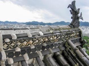 ksm-20050905-japanese_roofs-01