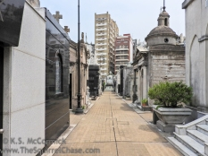 La Recoleta Cemetary is in the heart of the modern city.