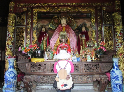 Visitor to The Goddess of Heaven (Tian Hou) in Qingdao