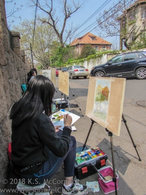 Street artists are a common sight.