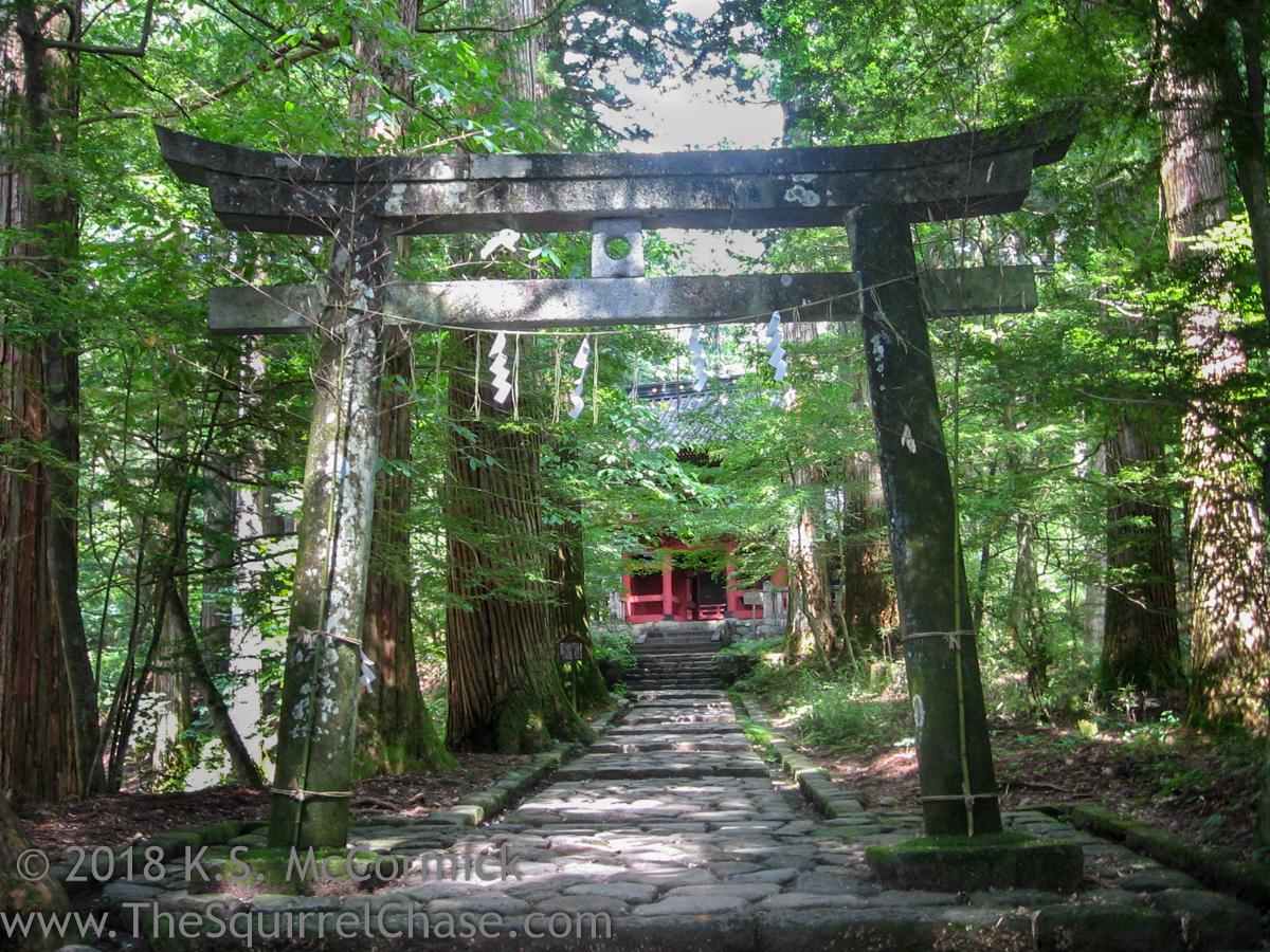 KSM-20070813-Japan-Temple_Approach-02