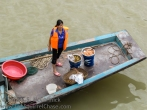 Seafood vendor on the Yangtze River.