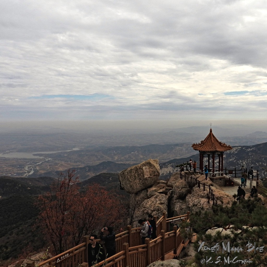 View from the Jade Emperor Pavilion on top of Yishan in Linqu country of Weifang.